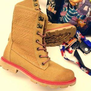 New Roxy Women's Tan Frontier Combat Boots